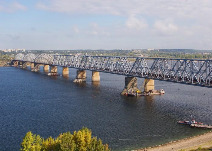 Мост через реку Волгу в Зеленодольске